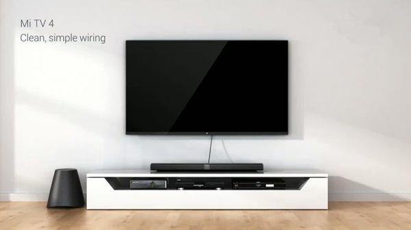 1月6日消息,今日北京时间凌晨3点,小米国际副总裁 Hugo Barra在美国拉斯维加斯2017 CES小米新品发布会现场,正式面向全球发布了首次采用无边框设计的真4K小米电视4 65英寸、55英寸、49英寸共计三个尺寸的电视新品。小米发布的小米电视4是小米旗下最新电视产品,采用了4K分辨率屏幕,拥有49、55、65英寸三种尺寸,和之前部分产品相同采用了分体式设计,用户可以采用模块化的连接方式获得更好的影音体验。外观方面,小米电视4拥有透明式的支架设计,厚度为4.