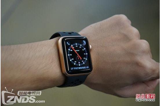 Apple Watch 3智能手表轻体验:eSIM卡独立手机而生