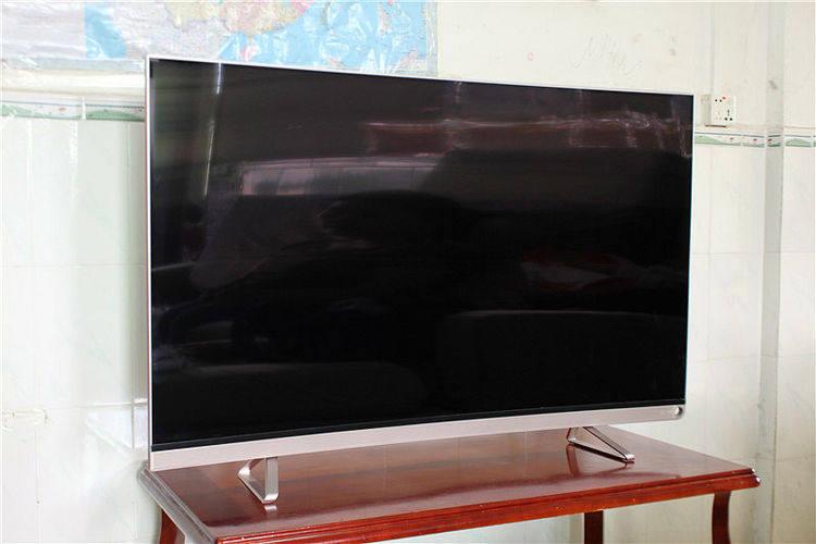 海信VIDAA曲面电视亲身实测 视角宽广 画质出色