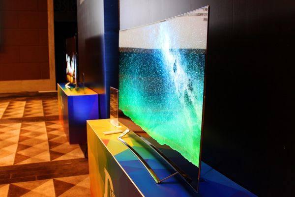 OLED电视打响年终反击战 或将引领消费潮流