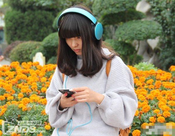 日本推出AI人工智能翻译耳机 支持中英日三国语言