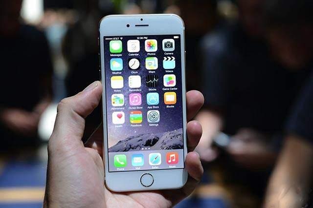苹果手机换电池可提高性能?专家:对系统速度几乎没影响