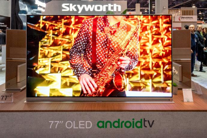 创维OLED壁纸电视亮相2018CES 自主研发AI芯片