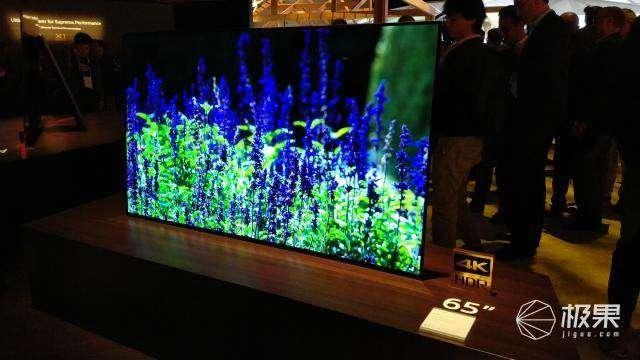 索尼4K OLED电视亮相2018 CES:取消功放 全屏发声