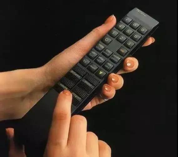 遥控器如何改变电视商业模式?