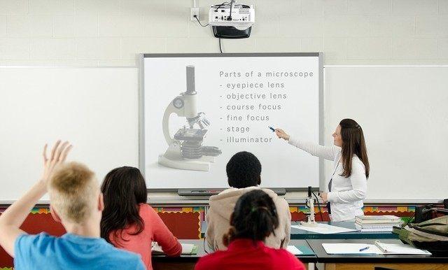 教育市场投影产品对智能系统无需求,真的是这样吗?