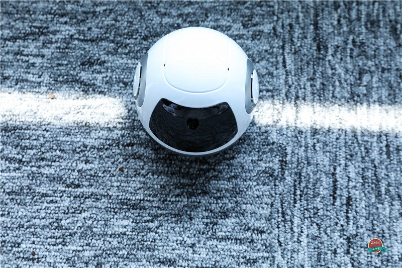 """""""调戏""""儿童机器人反被撩,布丁S智能机器人体验评测"""