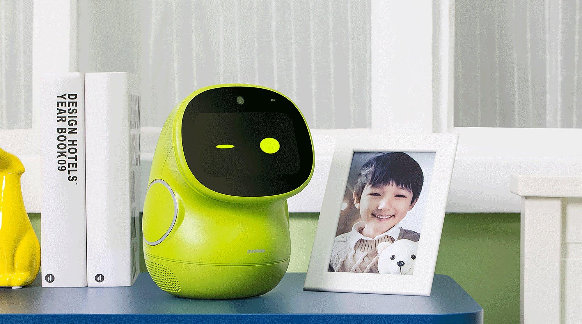 人工智能+早教更有趣 布丁智能机器人带孩子认识世界