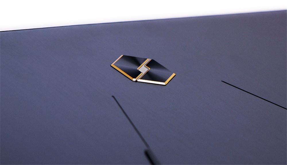 超窄边框、强悍视野,机械革命X8Ti Plus首测