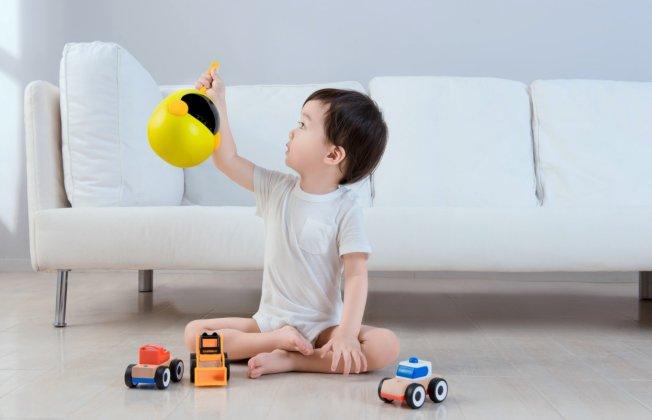 """宝妈育儿要做到""""三多"""",布丁智能机器人助力轻松育儿"""