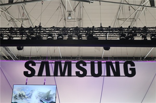 科技早报 LG可卷曲OLED电视将亮相CES;FF工厂只剩10位经理