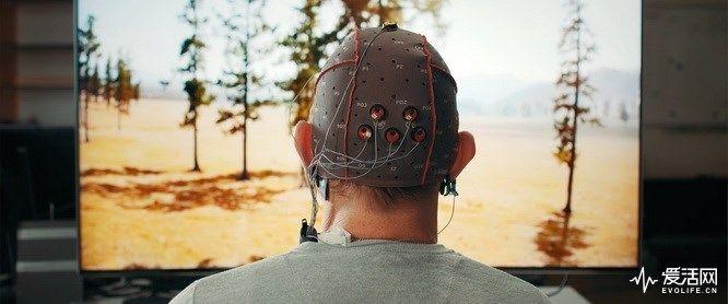 为了让残障人观看智能电视,三星正研发脑波遥控技术
