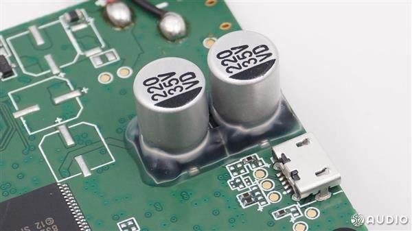 华为AI智能音箱小艺真机拆解:做工扎实,内置联发科芯片