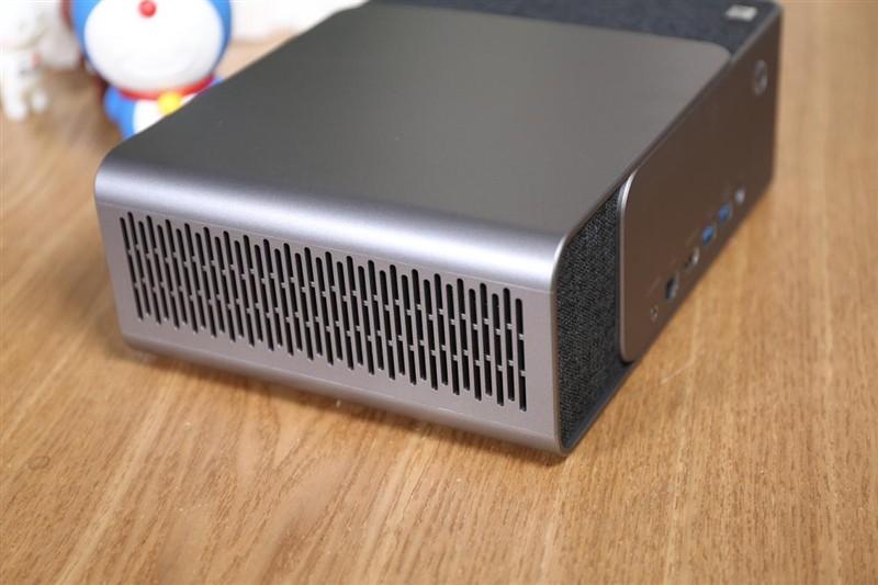 当贝投影F1首发评测:顶级TV芯片探性能极限 1400流明不惧白昼