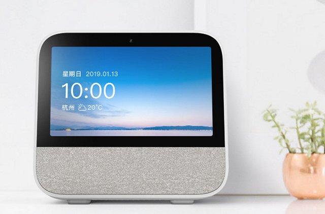 天猫精灵CC带屏智能音箱亮相,1月13日开启限量众测