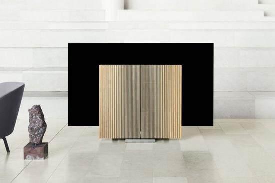B&O推出77吋全新电视 能够像蝴蝶一样展开