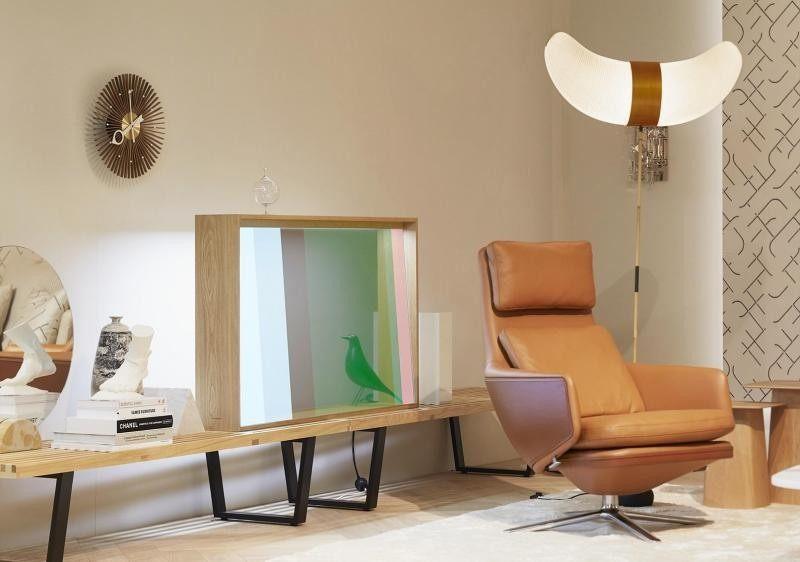 松下推出透明OLED概念显示屏 关机时就是一块玻璃