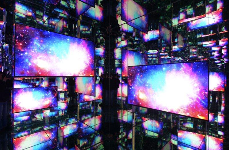 三星为QLED 8K电视打造一场科技Show 极具未来感震撼体验