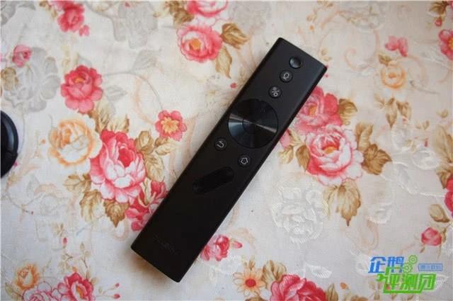极米矅LUNE 4K Pro激光电视评测:摆放灵活显示效果出众