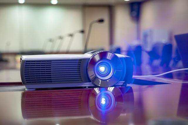 LED、激光投影崛起,汞灯投影没有未来了吗?_-_热点资讯-货源百科88网
