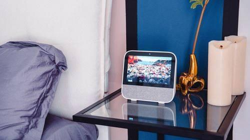 小爱小度天猫精灵评测:主流触屏智能音箱谁更好用?