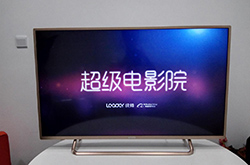 性价比之选:统帅新品蓝光终结者D43C电视拆机评测