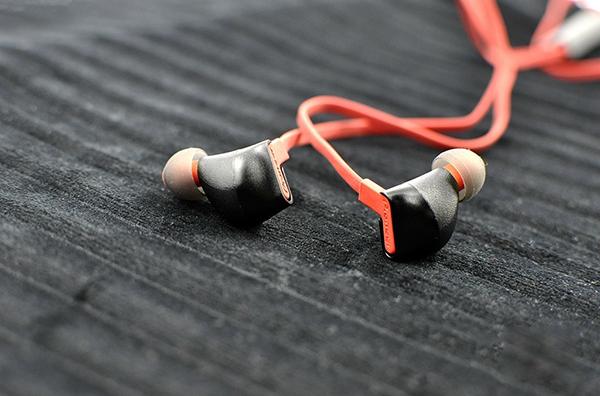 Lighting接口时代王者,评先锋SEC i800入耳降噪耳机