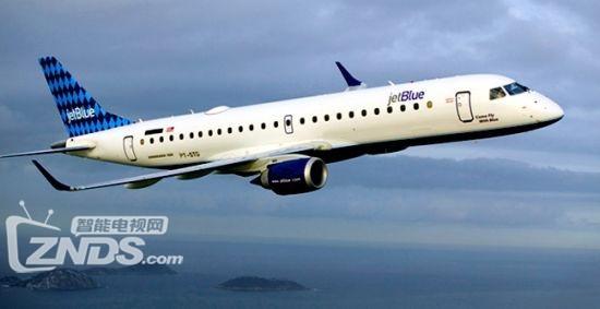 """或许国内消费者还在期待何时能够在机舱中以飞行模式打开手机,甚至访问""""空中Wi-Fi""""。不过在一些发达国家,""""机舱互联网""""已经步入成熟。据美联社报道,日前,美国收费视频服务巨头之一的亚马逊宣布,旗下Prime包邮会员,将能够在乘坐捷蓝航空公司航班时,免费观看各种视频节目。对于希望躲避机舱内的孩子哭闹或""""话痨邻座""""的乘客来说,观看电影电视剧提供了另外一个不错的选项。"""