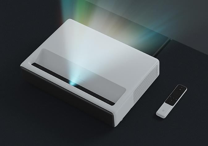 同是激光投影 区别在哪里?极米激光A1和米家激光投影对比