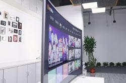 智能电视越卖越便宜,电视厂商究竟靠什么赚钱?
